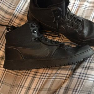 Nike black high tops comment offers size 10